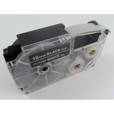 Casio XR-12ABK utángyártott feliratozószalag kazetta fekete alapon fehér nyomtatás 12 mm * 8m